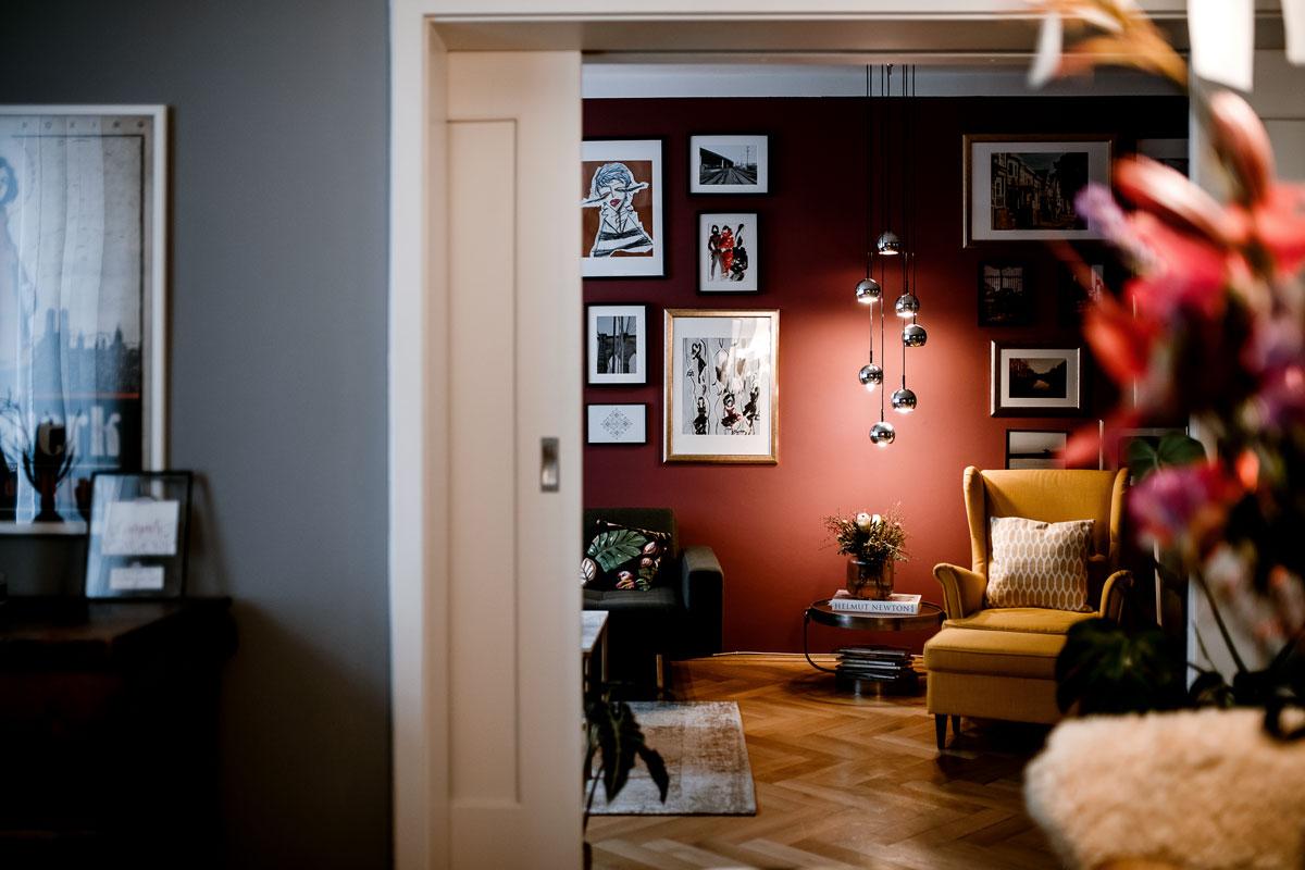 Mrs. Furs Apartment